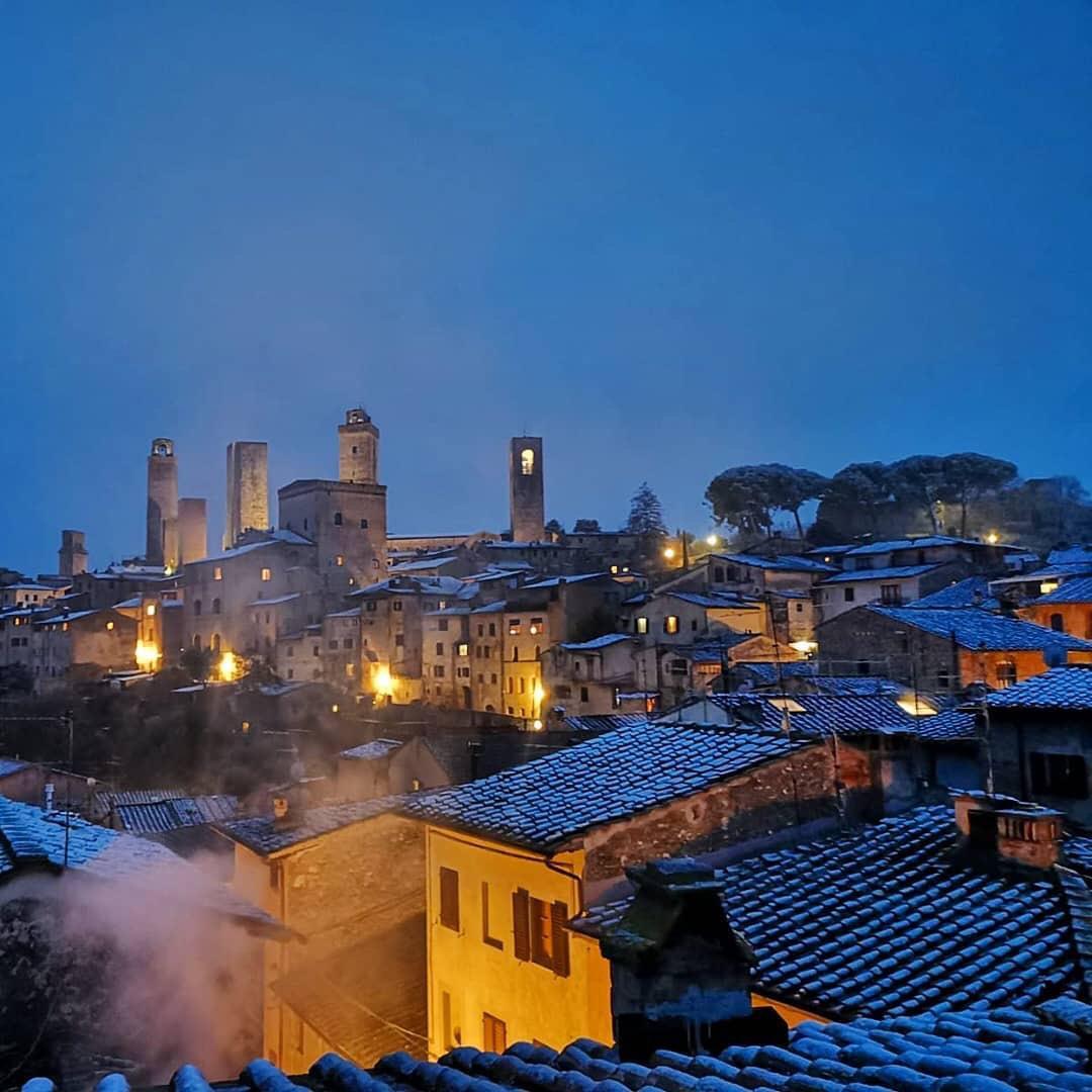 San Gimignano con neve